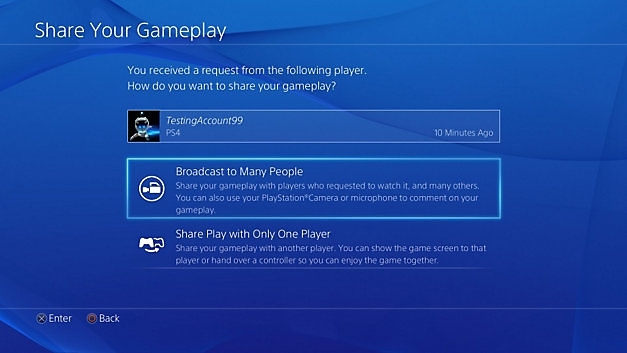 Screenshot shows option to broadcast to many people or share play with only one player.